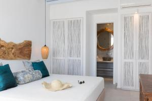 A bed or beds in a room at Villa Konstantin