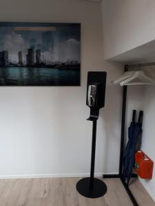A television and/or entertainment centre at Rooms on Water