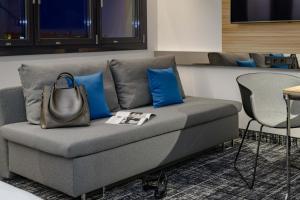 Ein Sitzbereich in der Unterkunft Novotel Suites Berlin City Potsdamer Platz