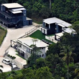 A bird's-eye view of Casa Hill Resort