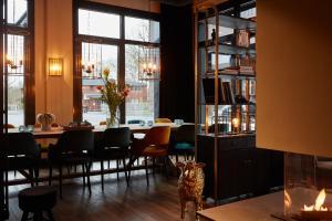 A restaurant or other place to eat at hotel friends Essen Zeche Zollverein