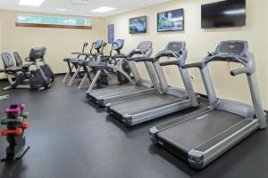 The fitness centre and/or fitness facilities at Grande Villas Resort By Diamond Resorts