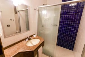 A bathroom at Hotel Pires