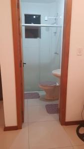 A bathroom at Apartamento de apoio