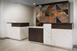 The lobby or reception area at Courtyard by Marriott Orlando Downtown