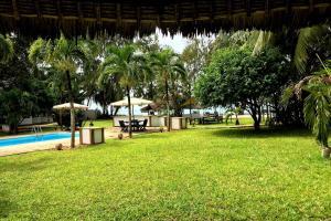 Der Swimmingpool an oder in der Nähe von Galu 723-Private Ocean Club