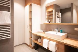 A bathroom at Hotel Restaurant zur Marienburg