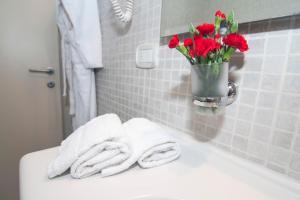 A bathroom at Hotel La Colonna