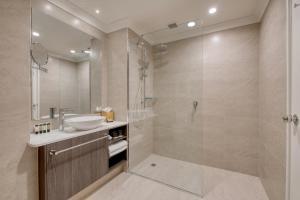 A bathroom at Duxton Hotel Perth