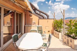 A balcony or terrace at Orologio Living Apartments