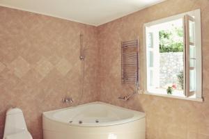 A bathroom at Hotel Per Astra