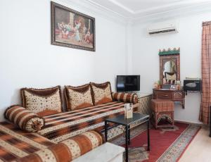 A seating area at Hotel Moroccan House