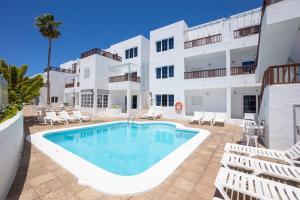 Het zwembad bij of vlak bij Vista Mar Apartamentos