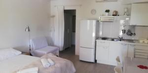 A kitchen or kitchenette at Apartments Grbin