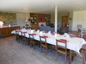 A restaurant or other place to eat at B&B Gaussignac