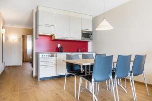 A kitchen or kitchenette at Hapimag Ferienwohnungen Interlaken