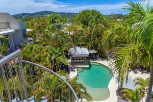 A view of the pool at Noosa Tropicana or nearby