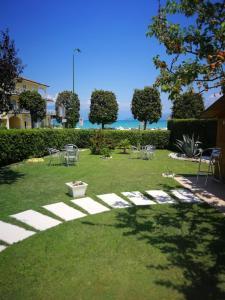 A garden outside Hotel Fornaci