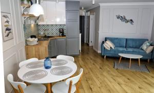 A kitchen or kitchenette at Blue Horizon