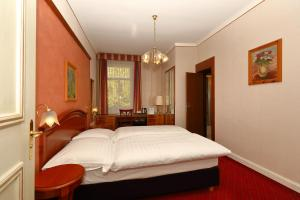A bed or beds in a room at Soldanella