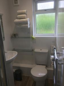 A bathroom at Rothay House