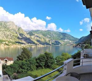 Utsikt mot fjell, enten fra hotellet eller fra et annet sted