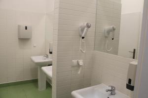 A bathroom at Lorf Hostel&Coffee