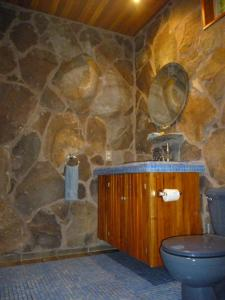 A bathroom at Arco Iris Lodge