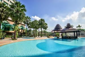 The swimming pool at or near Sedona Hotel Yangon
