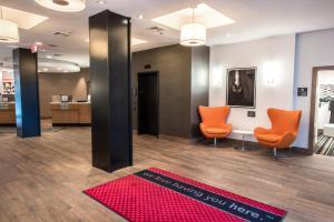 The lobby or reception area at Hampton Inn Albany-Western Ave/University Area, NY