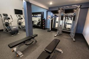 The fitness center and/or fitness facilities at Hampton Inn Albany-Western Ave/University Area, NY