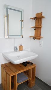 A bathroom at La Bergerie du Mesnil