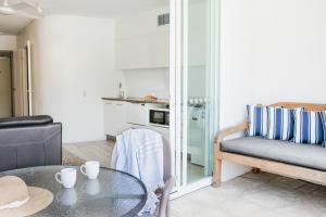 A seating area at Noosa Blue Resort