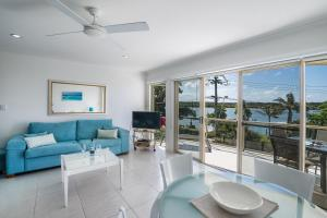 A seating area at Offshore Noosa Resort