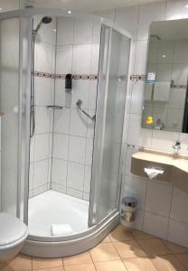 A bathroom at Hotel Berghof
