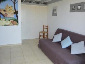 A seating area at Rental Apartment Le Hameau Des Pecheurs