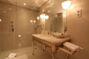 Un baño de Hotel Boutique Cigarral de las Mercedes