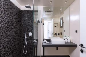 A bathroom at Rodostamo Hotel & Spa- Adults Friendly