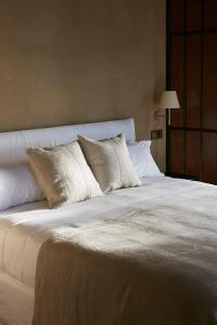Cama o camas de una habitación en Boutique Hotel Mendi Argia