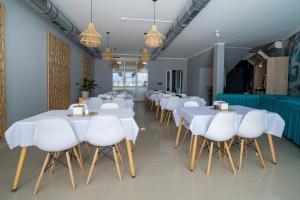 Restauracja lub miejsce do jedzenia w obiekcie Nowotel Stop and Sleep