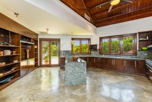 The lobby or reception area at Unique Villa with Ocean and River Views - Staff & Golf Carts