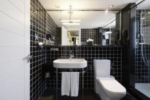 A bathroom at Europark