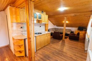 A kitchen or kitchenette at Orlino Holiday Park