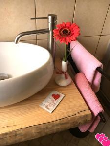 Ein Badezimmer in der Unterkunft Schmankerl Hotel Bauer