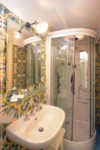A bathroom at La Locanda Del Fiordo