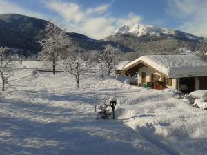 Haus Schmiederer im Winter
