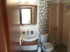 Ένα μπάνιο στο Villa Pappas