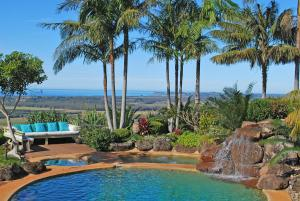 The swimming pool at or near Four Winds Luxury Villas Byron Bay