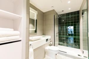 A bathroom at Native Glasgow