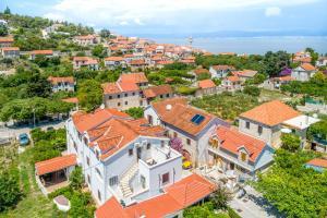 A bird's-eye view of Villa Dinka